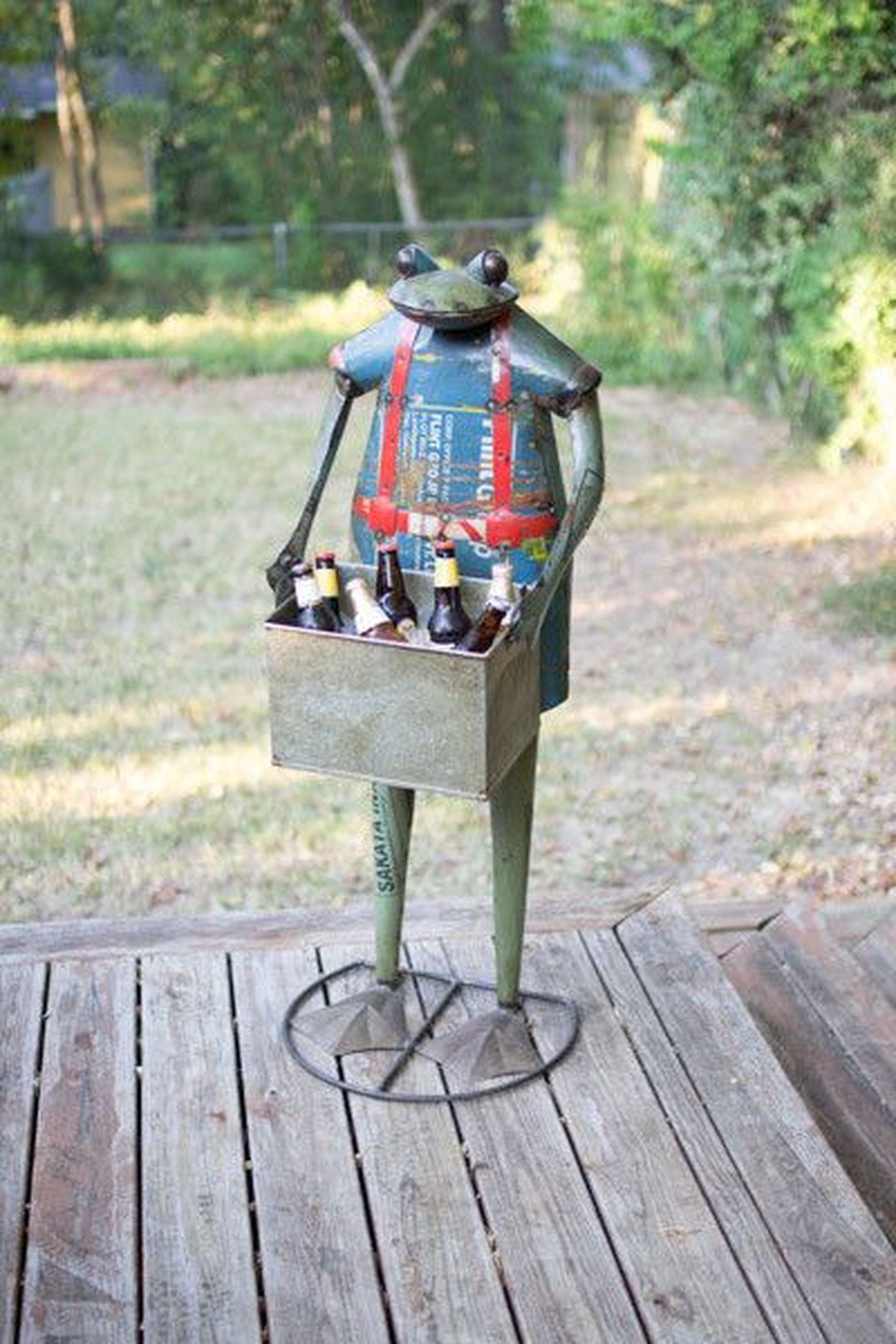 Metal Standing Frog With Drink Tub