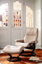 Stressless Crown-Large Chair & Ottoman w/Classic Base